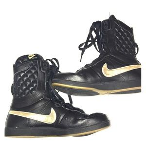 Nike boots size 7 gold and black